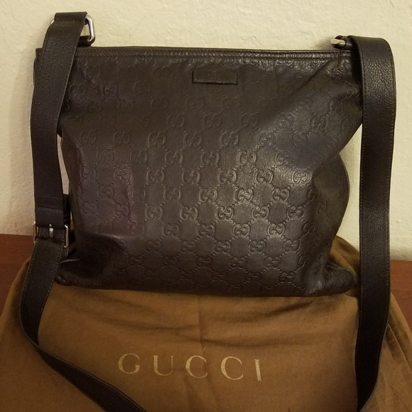 90bc42c852ab Gucci Handbags - Gucci Guccissima Leather Crossbody Messenger Bag